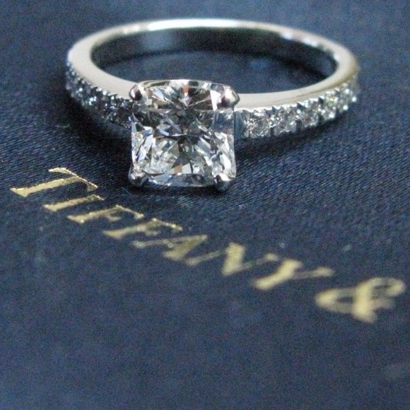 1d7551005e96c Tiffany & Co Platinum Novo Diamond Engagement Ring